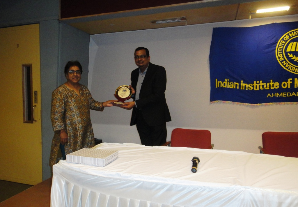 Dr Deepak Goyal Honored by IIMM